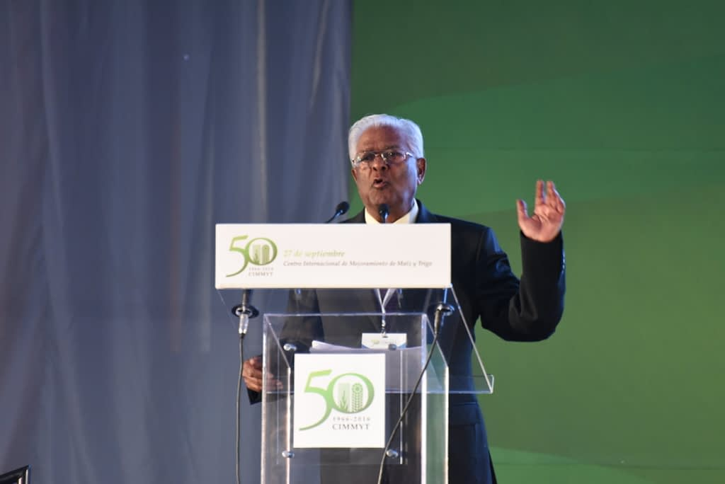 Sanjaya Rajaram speaks at the event to celebrate CIMMYT's 50th anniversary in 2014. (Photo: Gerardo Mejía/CIMMYT)