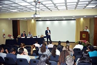 CIMMYT Director General Martin Kropff addresses course graduates during closing ceremony. Photo: CIMMYT
