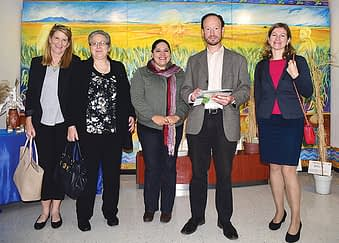 From L-R: Alison Purvis, Patricia Dávila, Bibiana Espinosa, Michael Way, and Tiziana Ulian visiting the CIMMYT genebank. Photo: Marcelo Ortiz/CIMMYT