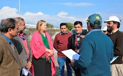 USAID officials visit CIMMYT-Pakistan. Photo: CIMMYT.