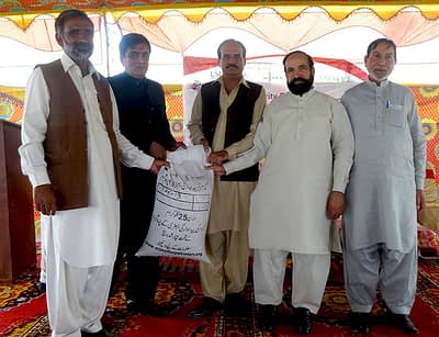 Wheat seed distribution in Nankana-Sahib, Punjab province. Photo: Monsif ur Rehman/CIMMYT Pakistan