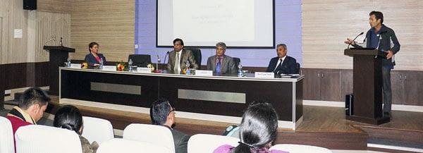 The Vice Chancellor of Bihar Agricultural University, Dr. M.L. Choudhary, opens the APSIM Exposure Workshop. L-R: Ms. Alison Laing (CSIRO), Dr. Don Gaydon (CSIRO), Mr. Ashraf Ali (CIMMYT-Bangladesh), Dr. Ravi Gopal Singh (BAU) and Dr. Choudhary. Photos: Alison Laing (CSIRO) and Ashraf Ali (CIMMYT).