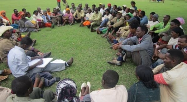 A community conversation session in Shebedino, Ethiopia. Photo: Tsegaye, M./SNNPR.